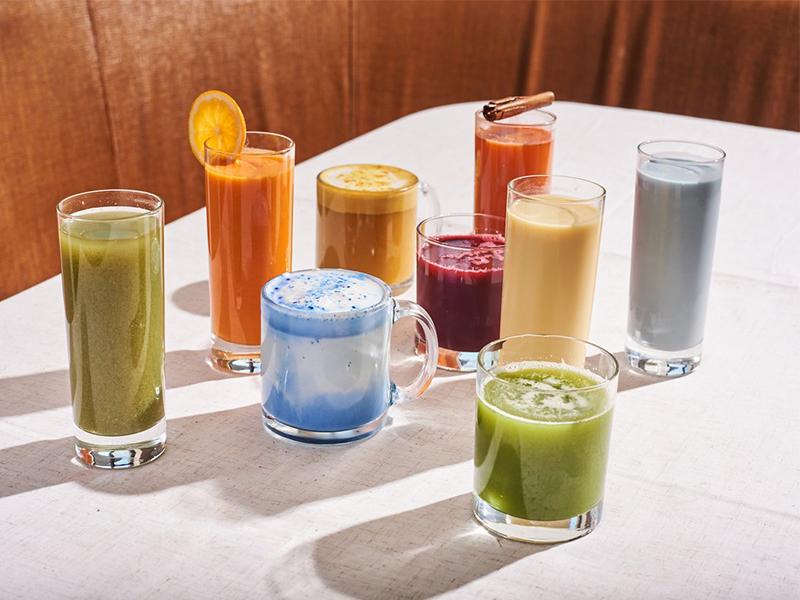 Natural fruit, vegetable juice and blue spirulina milk